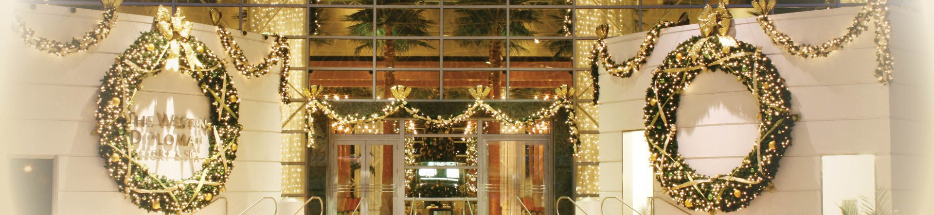 Westin Diplomat with large wreaths and lights