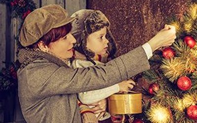 From Edison to LED - The Complete History of Christmas Lights